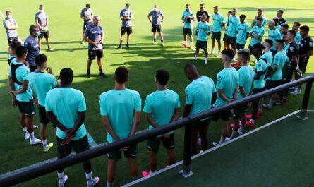 Entrenamiento del Betis a las órdenes de Manuel Pellegrini en Marbella | Fuente: Real Betis Balompié