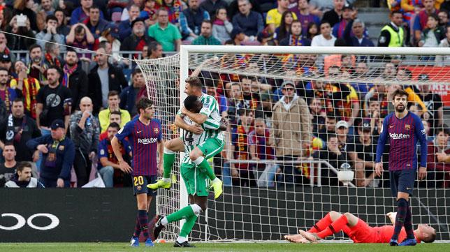 El Real Betis con altas aspiraciones ante un Barça herido
